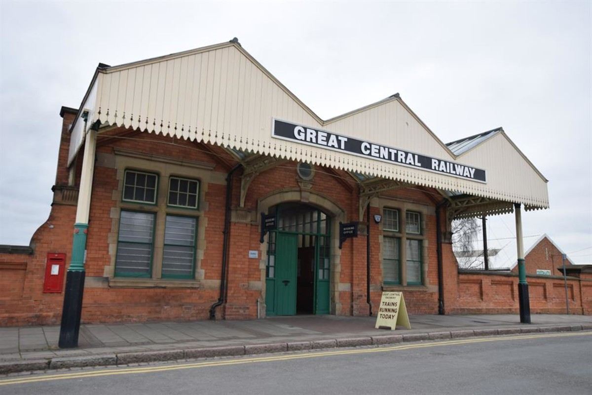 Great Central Railway- approx 0.3 miles away